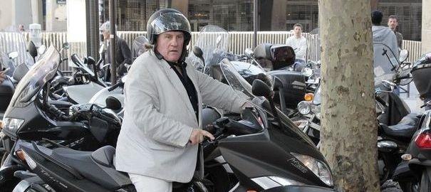 Gérard Depardieu placé en garde à vue après un accident de scooter en état d'ivresse