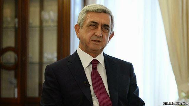 Como parte del proceso de enmiendas constitucionales, el presidente Serzh Sargsyan mantuvo una reunión con los representantes de los partidos políticos.