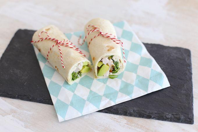 Wij zijn fan van deze wrap met kip en avocado! Dit is super makkelijk te maken…