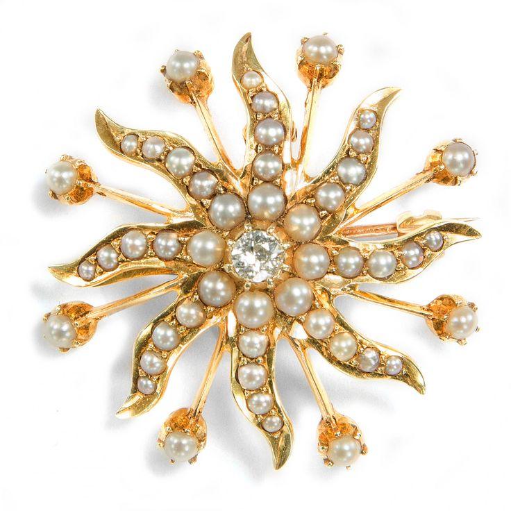 Licht in dunkler Nacht - Wunderbare Perlen & Diamant Brosche & Anhänger, England um 1890 von Hofer Antikschmuck aus Berlin // #hoferantikschmuck #antik #schmuck #antique #jewellery #jewelry // www.hofer-antikschmuck.de