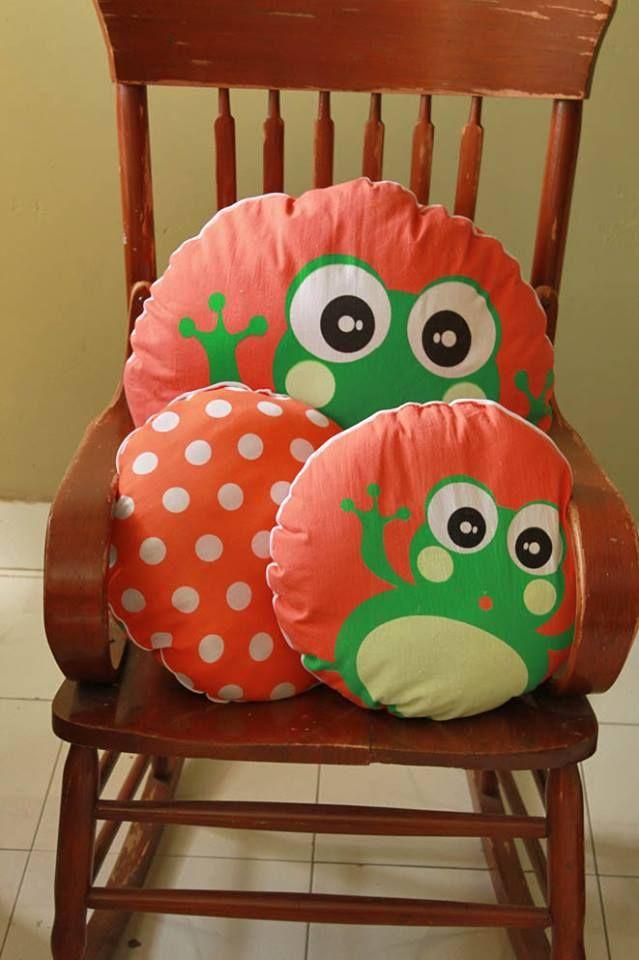 #cojines #kids #decoracion #ninos #rana #frog #online #regalos http://www.regalosdirecto.com.mx/para-el-bebe/igriega-kids.html