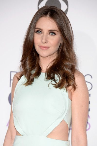Alison Brie Lookbook: Alison Brie wearing Long Curls (4 of 6). Alison Brie wore her hair in a tumble of curls during the People's Choice Awards.