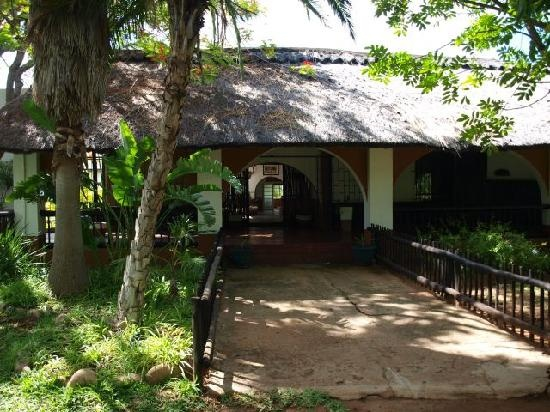 Cheetah Inn, Hoedspruit, South Africa, that's where we are staying :-).