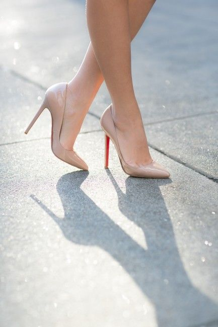 Who would like to buy me some nude Louboutins? #WishList