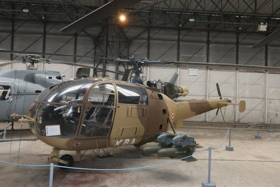 French Armée de Terre Alouette 3 in a sand dress very flattering as it was carried in Africa, Chad, Djibouti. The four missiles SS.11 offered a credible support capacity, even if the machine was difficult to steer. Pictured at the Armée de Terre ALAT (French Army light aviation) museum at Dax. © Frédéric Lert / Aerobuzz.fr