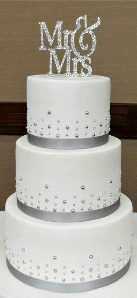 2 tier wedding cakes silver best 25 silver wedding cakes ideas that you will like on 10169