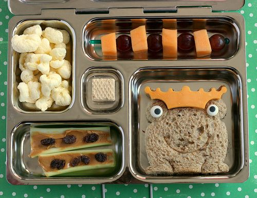 27 Lunch Resources via Tip Junkie (Frog Prince Bento Lunch by http://anotherlunch.com)