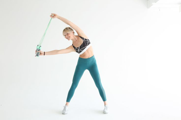 The simple piece of equipment is a total-body burner. Amanda Kloots, creater of The Rope class, demos a 15-minute total-body jump rope workout.