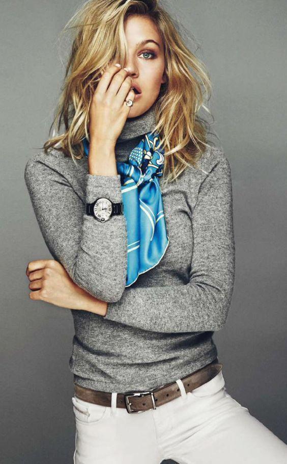 scarf over turtle neck.  Acessórios sobre a blusa