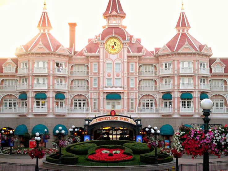 Disneyland Hotel Paris   An American's Review   France   Paris   Disney Parks