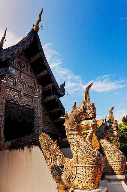 Wat Chedi Luang.  Chiang Mai http://viaggi.asiatica.com/