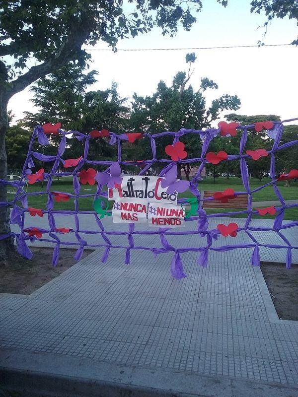 Mujeres en RED. #Niunamenos #Nuncamás. El 25 de Noviembre de 2015 en la plaza de tu ciudad.