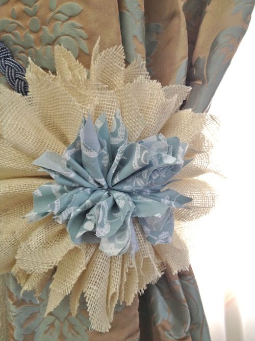 265 best craft ideas burlap images on pinterest for How to make hessian flowers