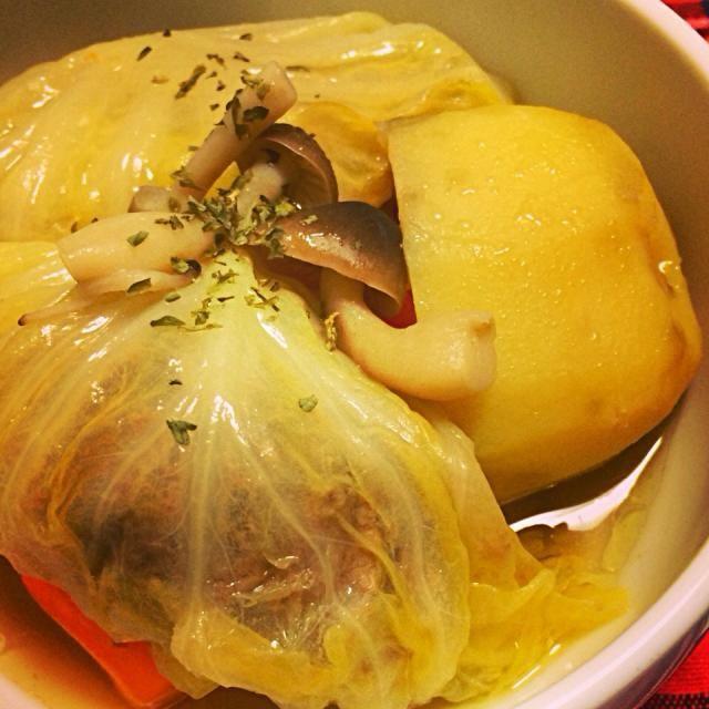 コンソメスープでポトフのようなおかずスープ^ ^ - 4件のもぐもぐ - ロールキャベツ by hiropon0707