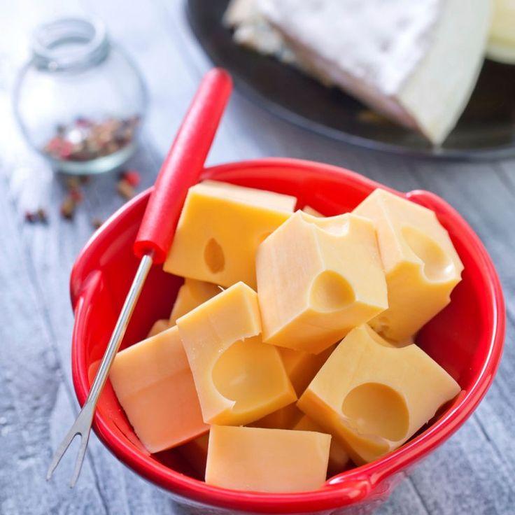 La #ricetta di oggi: la fonduta di formaggio francese, un piatto da gustare in compagnia durante le fredde serate invernali....