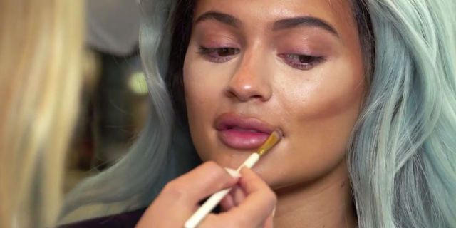 How Kylie Jenner contours her infamous lips  - Cosmopolitan.co.uk