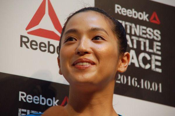中村アン、サッカー選手顔負けのトレーニングに反響「体幹モンスターや!」