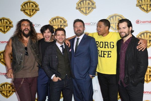 Ezra Miller Photos Photos - (L-R) Actors Jason Mamoa, Ezra Miller, Ben Aflleck, Ray Fisher and Henry Cavill arrive at CinemaCon 2017, Warner Bros. Pictures Invites You to ?The Big Picture?, an Exclusive Presentation of our Upcoming Slate at The Colosseum at Caesars Palace during CinemaCon on March 29, 2017 in Las Vegas, Nevada. / AFP PHOTO / ANGELA WEISS - CinemaCon 2017 - Warner Bros. Pictures Presentation