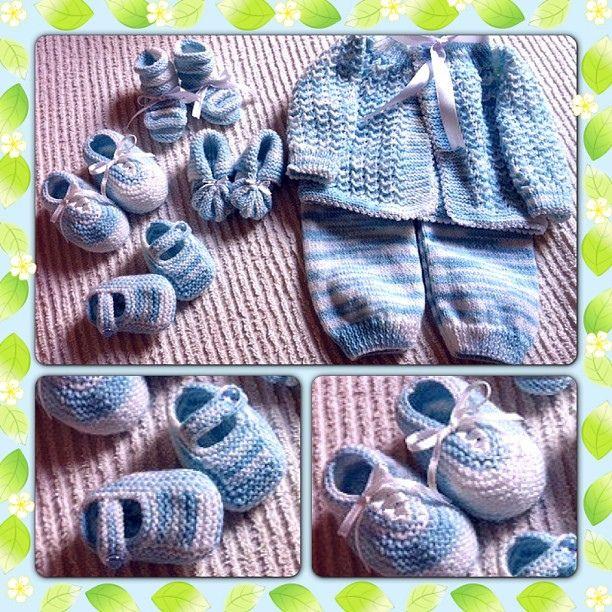 Jogo de tricô com 6 peças - casaco, mijão e 4 pares de sapato! Tudo feito à mão! #forsale #kraft #casadavo #moip #paypal casa.davo@yahoo.com
