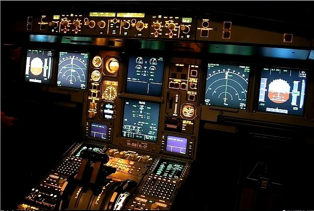 Airbus A330 Flight Deck at night | Cockpit View ...