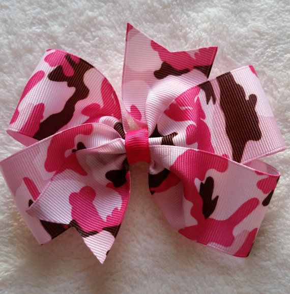 Jumbo camo bow for your little one. Find on Etsy!