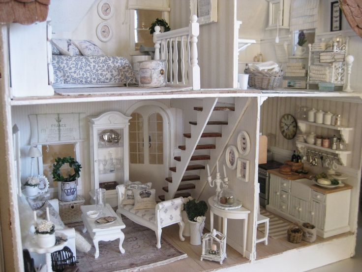 miniatyrmama: The Arthur Dollhouse
