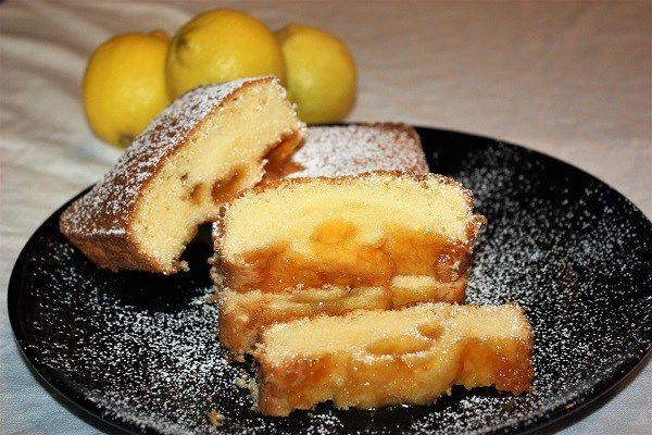 Plumcake al limone farcito con marmellata di albicocche :http://ropa55.it/plumcake-al-limone/