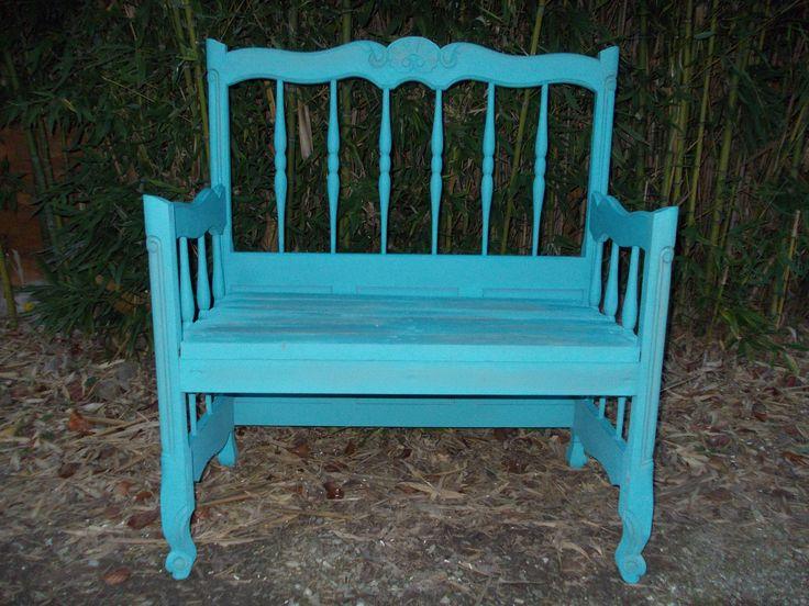 Autentico antique turquoise,Autentico cire grise, Autentico cire claire,et un vieux lit se transforme en un joli banc...