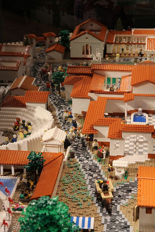 LEGO Pompeii - Whoever created this is truly a genius and artist.