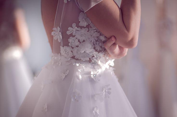 Aleksandra Miroslaw SS 2017 bridal collection. #weddingdress #shortdress #bridalgown #details