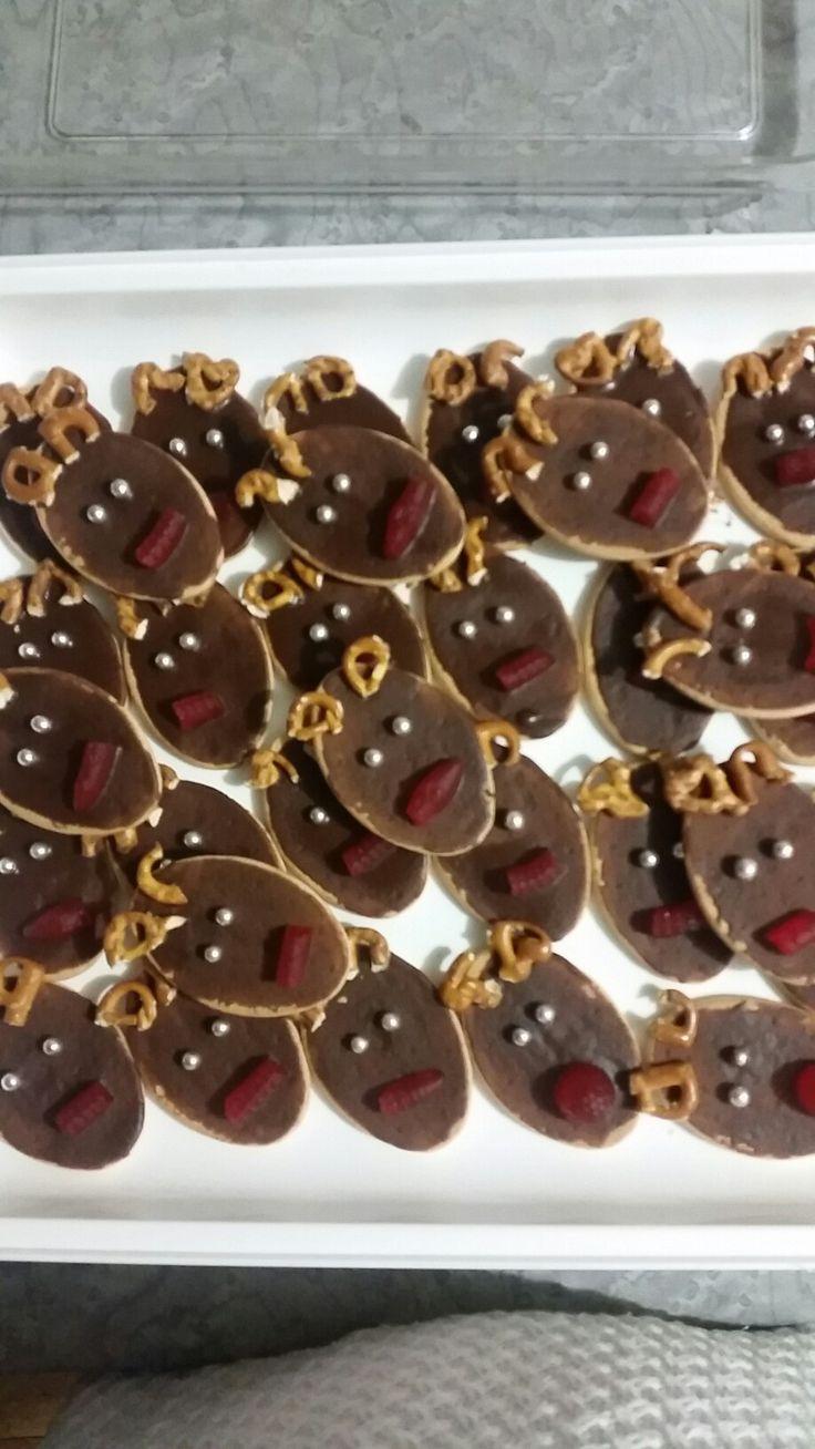 No bake reindeer biscuits :)