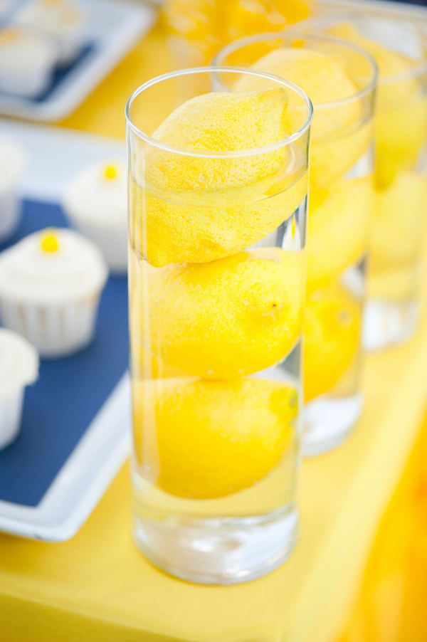 Lemons, lemons, lemons!: Water Centerpieces, Sunshine Yellow, Happy Yellow, Lemon Decor, Mellow Yellow, Lemon Photography, Lemon Vase, Lemon Centerpieces, Lemon Water