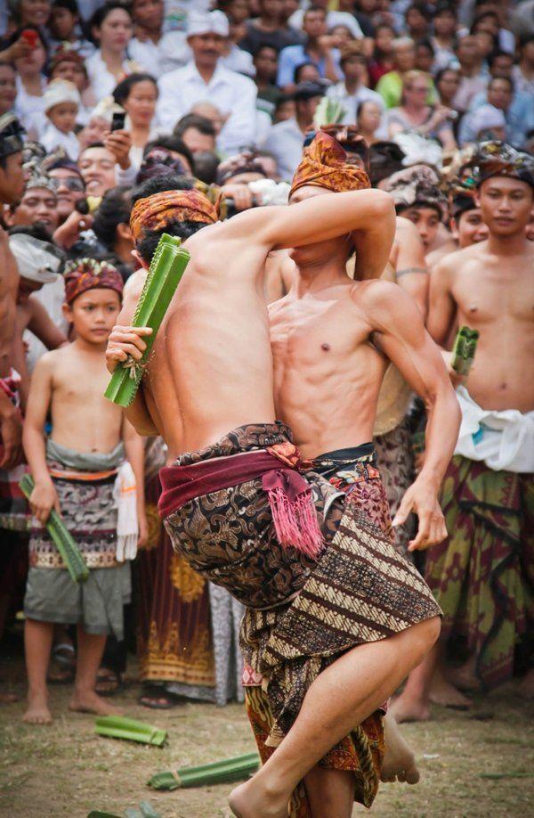 www.villabuddha.com Bali War games in Tenganan , East Bali