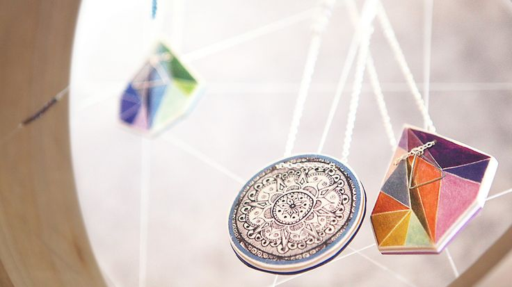 'Big dreams, small details' showcases Vicki Leigh's latest polyresin art jewellery pieces | The Make It Collective POP-UP Shop | July 30 - August 14