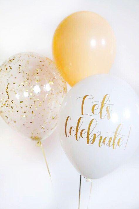 Añadir un toque de caligrafía, confeti y color a tu fiesta!  Trío de globo incluye: (1) vamos a celebrar el globo de caligrafía, Tinta oro serigrafiado en el globo blanco. Mano con letras diseño de estampados de maravilla. (1) globo de confeti de Glam oro. (1) globo de látex sólido en nude.  Disfrutar de envío gratis! *  >  ¿< Qué tamaño son los globos? >  Son globos de látex de 11 pulgadas.  ¿< Cuándo recibiré mis globos? >  Mi tiempo de producción es 3-5 días laborales más tiempo de…