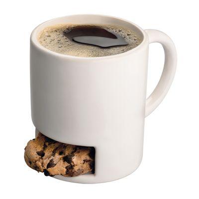 Cana Cafea si Biscuiti - 29 lei Acest cadou este potivit pentru cei care iubesc sa savureze cafeaua alaturi de un mic desert!  Biscuitii, cu ciocolata sau simpli, in functie de preferinta, vor sta la adapost in locul special de la baza canii.