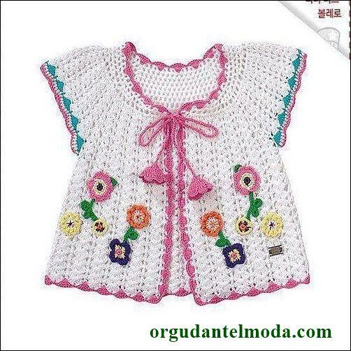renk-renk-çiçek-işlemeli-beyaz-tığ-işi-bebek-yeleği