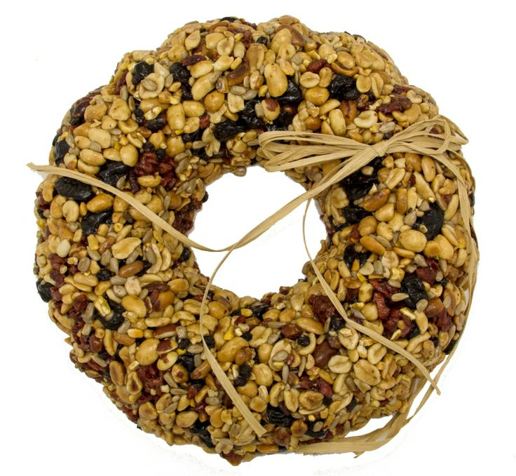 """WRTHFN Fruit And Nut Wreath. Approximately 9"""" Diameter x 2"""" H. Approximately 800g. Embedded hanger included"""
