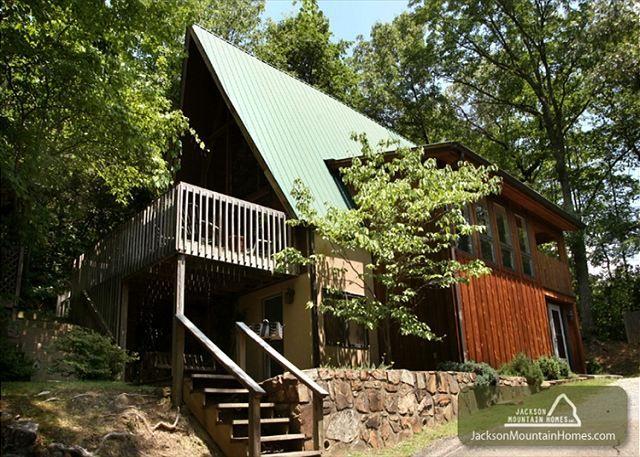 Our cabin gatlinburg vacation rental chalet green for Jackson cabins gatlinburg tenn