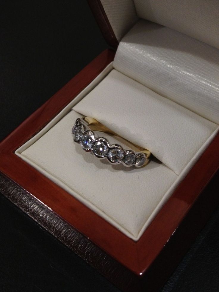This is he finished piece, what every 'wax' ring becomes. It is 18ct gold, with a white gold head and a yellow gold shank, or band. A truly beautiful piece.