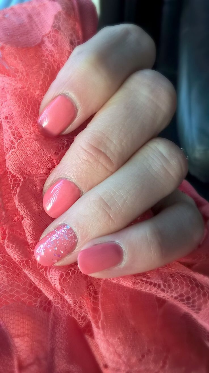 Lovely spring nails!  #coralsunset by #sensationail