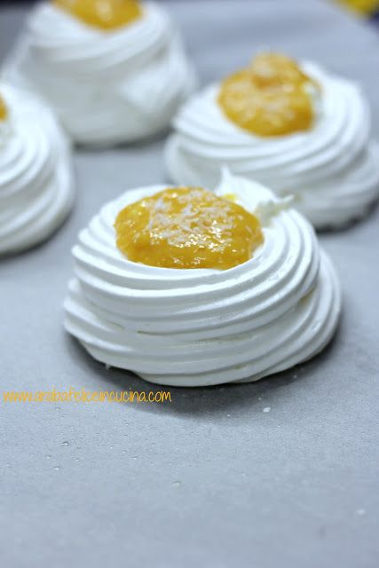 Arabafelice in cucina!: Mini pavlove al mango e cocco