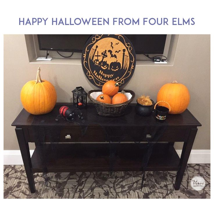 Happy Halloween Everyone, from all of us at Four Elms Retirement Residence! 🎃👻 #halloween #verveseniorliving