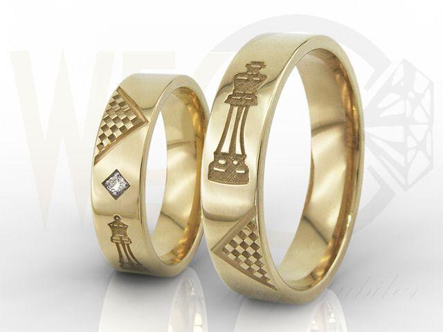 Obrączki ślubne z żółtego złota, damska z diamentami / Wedding rings made from yellow gold. Woman's ring also made with diamonds /  2 725,00 PLN / #jewellery #weddingrings #gold #diamonds #wedding #rings