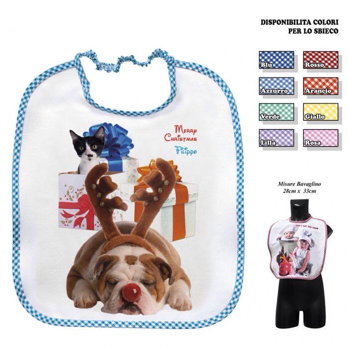 """Idee regalo: Bavaglino di felpina fantasia """"cane con cuffie di renna"""", con Elastico collo (28x33 cm) e che puoi personalizzare davanti con il Nome del bambino. Il davanti è ricoperto da una pellicola di protezione plastica per la pappa. Lo trovi qui: http://www.coccobaby.com/prodotto/idee-regalo/bavaglini/1348/bavaglino-cane-con-cuffie-di-renna"""