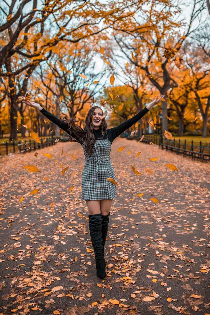 Fall leaves photoshoot ideas in New York City