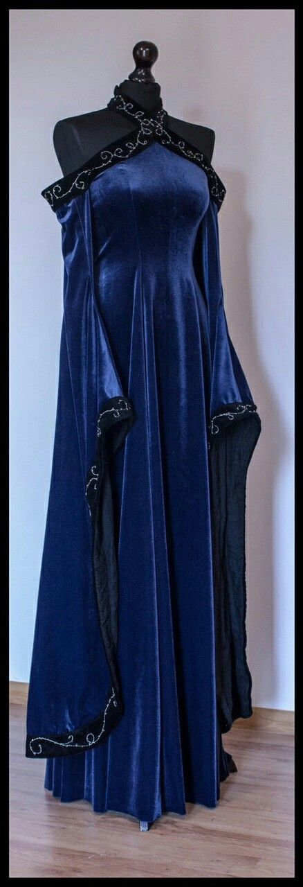 Medieval gown | Royal blue