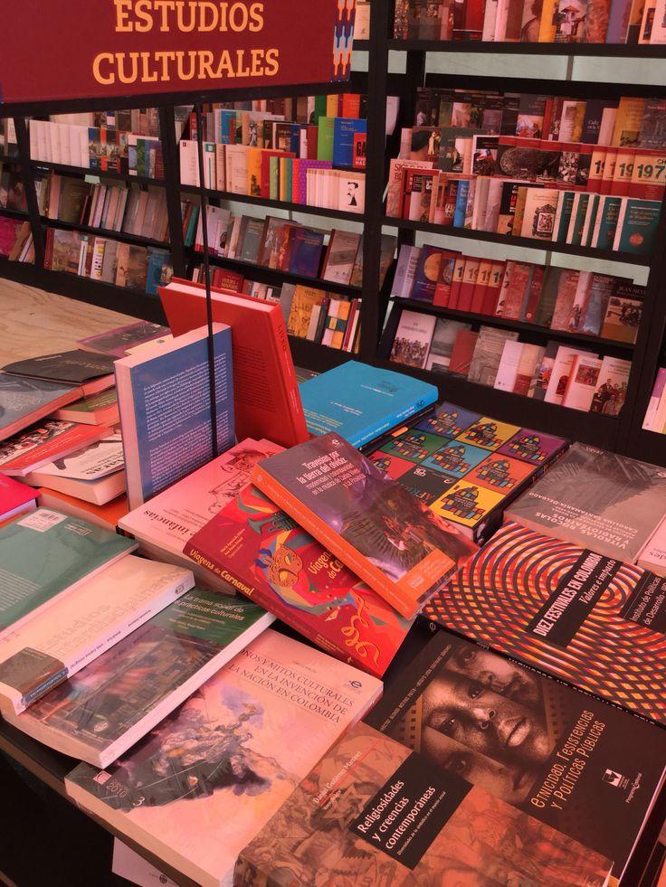 Estos son algunos de los libros de nuestro catálogo que fueron seleccionados para hacer parte del 1er Salón iberoamericano del libro universitario en la Fiesta del Libro de Medellín, 2015