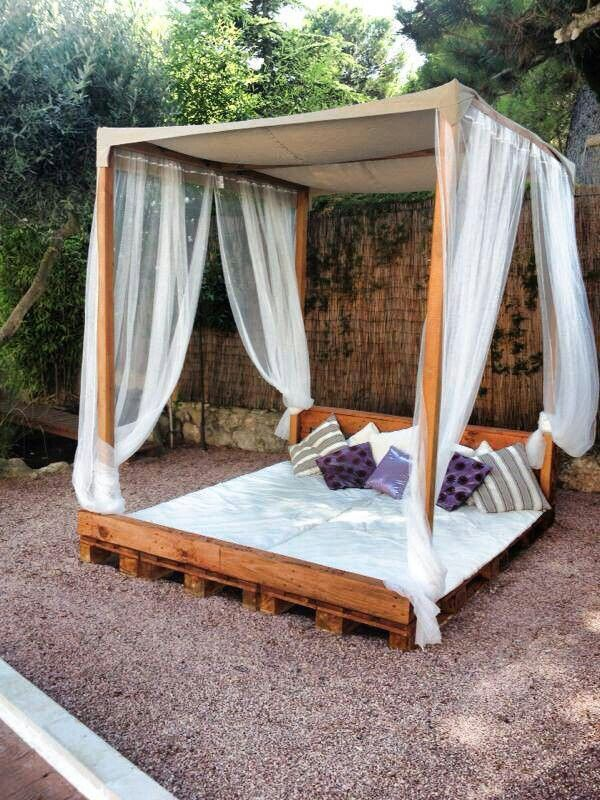 Chill out pallet diy pallet daybed 14