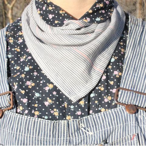 Made of gauzy double-sided striped cotton, this light-weight 100% cotton gauze bandana keeps the sun off your neck on the hot days in the garden or adds an extra layer in the cooler mornings in the spring.